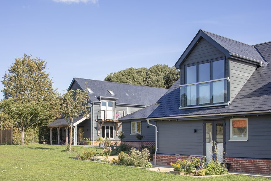 HardiePlank®: Low maintenance weatherboard wraps luxury, countryside retreat